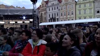 JELEN - Světlo ve tmě (živě @Mattoni Koktejl Festival 2015)