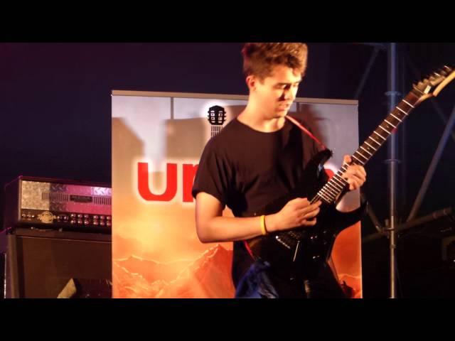 Vídeo de Urban interpretando sus temas en directo.