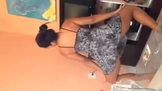 Novinha Dança E Dexa Buceta Apareçer!!!