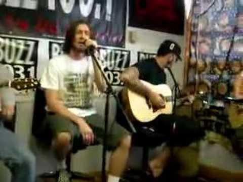 authority-zero-sirens-live-acoustic-antonio-fierro