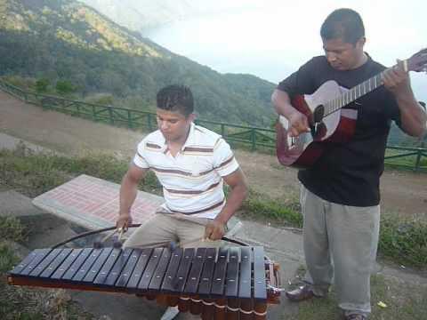 Marimba en el Mirador de Catarina Nicaragua