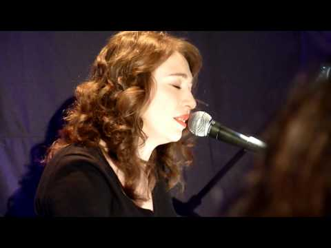 regina-spektor-ballad-of-a-politician-lovable-dictator-live-at-other-music-nyc-02-09-wheresthepackingtape