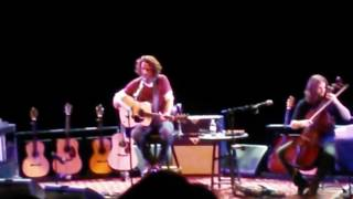 Chris Cornell Sings 'Ave Maria'