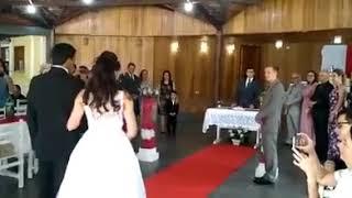 Música de boda con genios troll