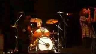 even flow & matt cameron drum solo-Pearl Jam @ Azkena 2006
