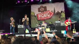 "Young the Giant ""Amerika"" (Live at Piqniq 2016)"