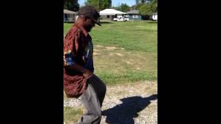 "Crackhead Kippy dancing to Roi ""CHIP"" Anthony ""Work it"""