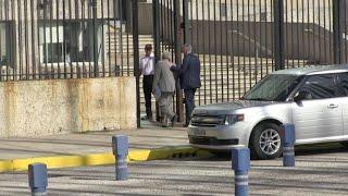 EEUU retira mitad de su personal diplomático en Cuba
