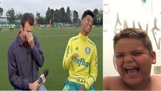 Repórter ri em entrevista com jogador do Palmeiras. Gordinho rindo