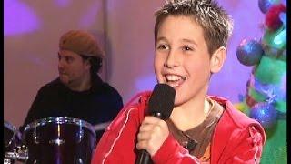 """Antonio José, con 10 años, canta """"Te traigo flores"""""""