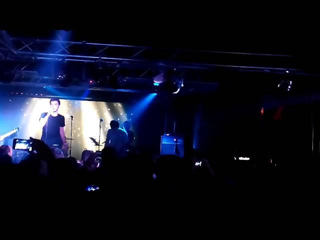 Vídeo de un concierto en la sala REM.