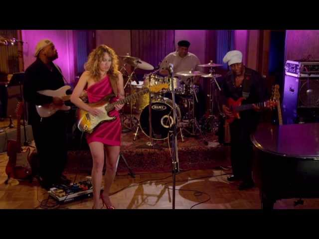 Video en directo de la canción Can you Stand the hit de Ana Popovic