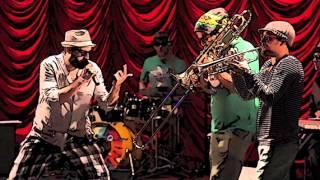 Maraqya ft Toni Zen ft Slatkaristika - Spushti se dole (live)