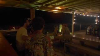Musica en Ecuador Montañita.Lido Bar y Grill.Fragmento de musica brasilera.Oh! Chuva(lluvia)