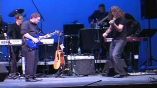 AMAZING Guitar and Violin Dueling