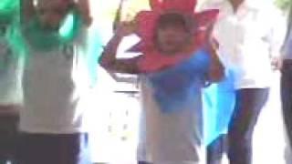 Apresentação Teatro na Escola - Bruna ( 4 anos e 8 meses)