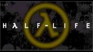 Half-Life Announcer Talks Back(Funny)
