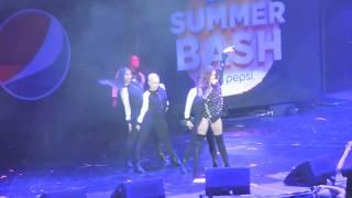 Hailee Steinfeld - Starving Live @ B96 Summer Bash 2017