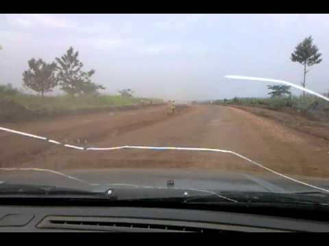 massiver strassenbau in burundi part 1