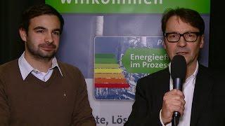 Praxistag Energieeffizienz 2015: Fabian Pasimeni, Aerzen, im Gespräch mit Günter Eckhardt