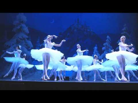 Swan Lake Ballet Tchaikovsky 天鹅湖 China's Guangzhou Ballet Troupe - VCCF 2011 - YouTube