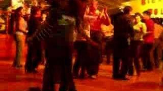 El Eslabón Colombianos bailando merengue