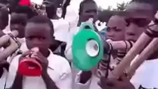 💜 Crianças africana🎶 tocando hinos 🎶CCB
