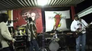 Óculos escuros - Mato virgem ( Live in Leão lanches 17/03/2012 )