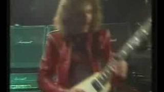 Saxon - Heavy Metal Thunder (Live)