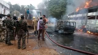 Jharkhand DUMKA me cnt aur SPT   act ke sanshodhan ki  aag me janta truck or yatri  wahan(8)