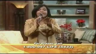 "CeCe Winans--""Pray""--(Live)"