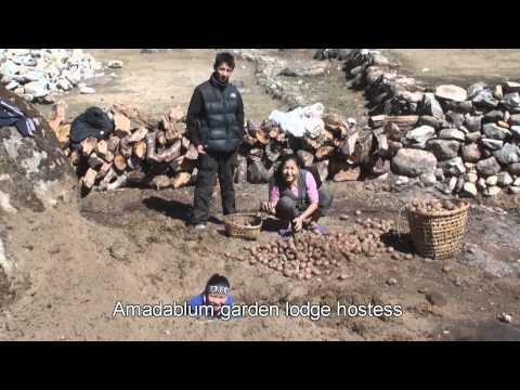 Nepal-everest trekking-201004-landscape
