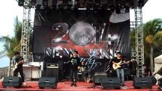 ESOKPAGI - YOU (RADIOHEAD cover) LIVE Ancol Beach JAKARTA
