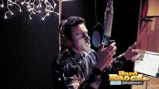 "Logic Previews ""Alright"" F/ Big Sean + Behind the Scenes in No ID's Studios"
