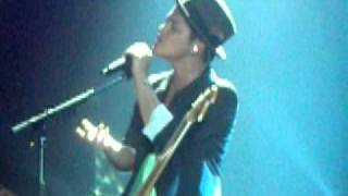 Nothin' On You - Bruno Mars (live at the SECC, Glasgow)