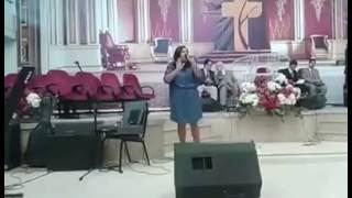 Cantora Drielle Rocha, na ADIG