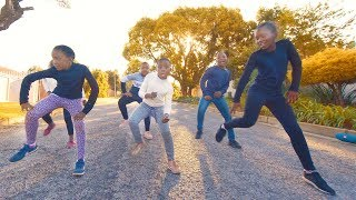 Dladla Mshunqisi ft. Dj Tira - Pakisha Bhenga Dance (with SuperStar Kids)