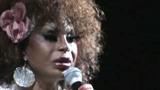 Elza Soares interpreta Meu Guri