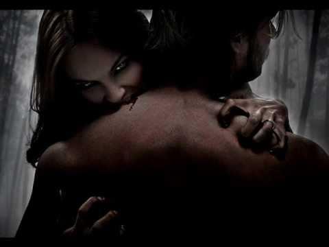 Legacy In Blood En Español de Vampiria Letra y Video