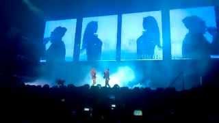 Beyoncé and Jay Z - Upgrade U (live)