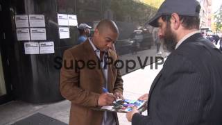 Ja Rule exits Good Day New York and signs for fans before...