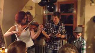 Naked Professors feat. Týna - Galway girl (Steve Earle cover)