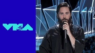Jared Leto Pays Tribute to Linkin Park's Chester Bennington | MTV