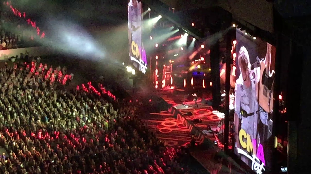 Vivid Seats Keith Urban Graffiti U World Tour Dates 2018 In Kansas City Mo