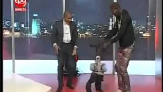 Papusa dansatoare!Puppet Dancing!!!Super tare!