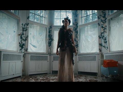 Dancer En Portugues de Xandria Letra y Video