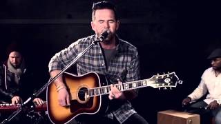 David Nail Sings 'Whatever She's Got' Live