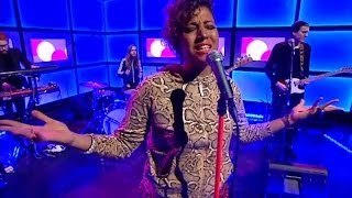 Jessica Folcker - It's all about you - Nyhetsmorgon (TV4)