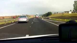 Hyundai Azera vs Toyota Corolla 2.0 a 200Km/h