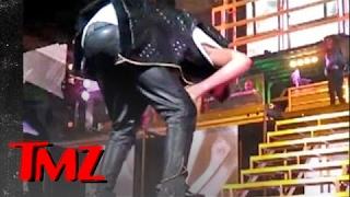 Justin Bieber Throws Up on Stage | TMZ